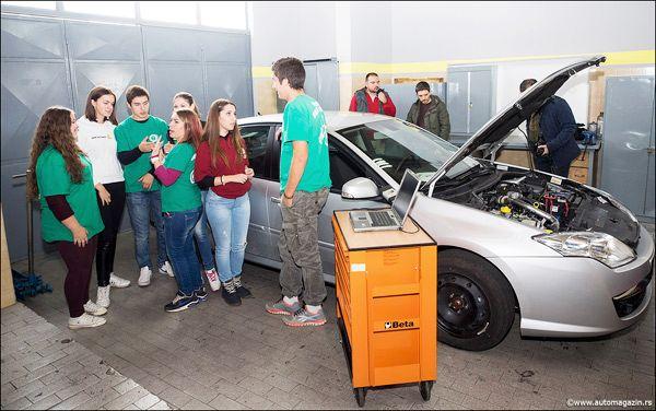 ucenici-masina-Renault