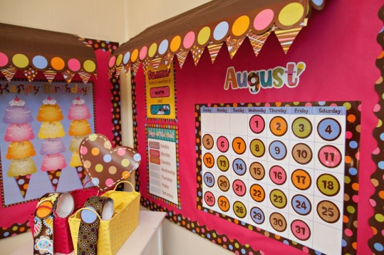 classroom-wall-decorations