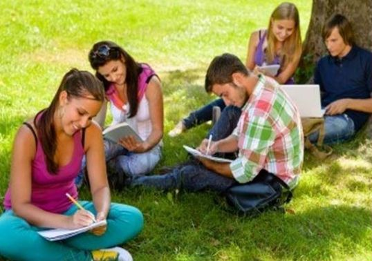 adolescenti-scriind-1