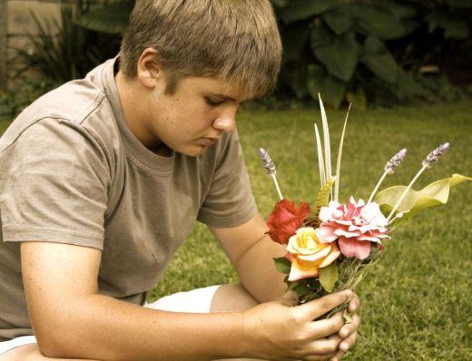 boy-flowers