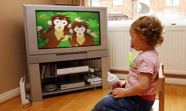 child-watching-tv