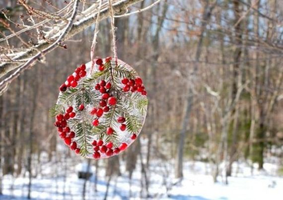 1-ice-christmas-decorations-for-outdoors-2-554x393